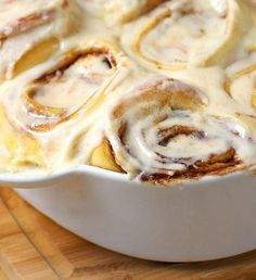 Cinnabon Cinnamon Roll Casserole Copycat- These cinnamon rolls are delightfully sweet and have a rich cream cheese frosting.