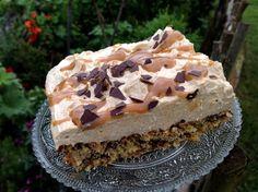 New Easy Cake : Caramel nut cake, Gourmet Desserts, Cheesecake Desserts, Just Desserts, Delicious Desserts, Caramel Deserts, Caramel Recipes, How To Make Pudding, How To Make Cake, Cake Recipes