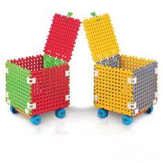 Witajcie w piątek, Weekend przed nami:)  Nowość w Ofercie:) Plastikowy Pojemnik na Zabawki na Kółkach dla Dzieci od lat 3 do pokoiku - System QB Marioinex.  Duże podstawki waflowe zostały połączone specjalnymi łącznikami dzięki czemu tworzą solidne pudełko o wymiarach 36, 5 x 36, 5 cm.  Sprawdźcie jak można konfigurować moduły swpjego pojemnika:)  http://www.niczchin.pl/do-pokoiku/1473-system-qb-pojemnik-na-zabawki-na-kolkach-marioinex.html  #pojemniknazabawki #systemqb #marioinex #zabawki