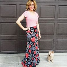 STUNNING maxi from Lularoe! Get yours here: www.facebook.com/groups/lularoebylauralVIPs