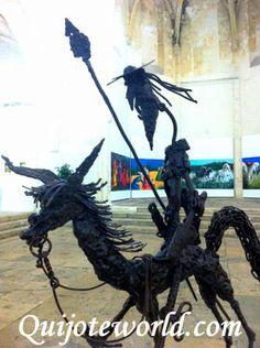 """""""El Quijote viajero"""". Esta figura de El Quijote la encontramos en Arles un pueblo del sur de Francia."""