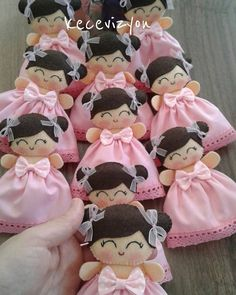 Felt Crafts, Diy And Crafts, Craft Projects, Sewing Projects, Baby Shawer, Embroidery Bags, Fairy Dolls, Felt Dolls, Soft Sculpture