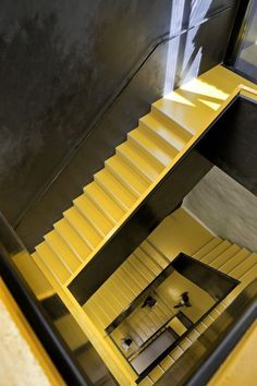 View the full picture gallery of Ampliamento Della Scuola Superiore 'Hannah Arendt' Curved Staircase, Modern Staircase, Staircase Design, Architecture Details, Interior Architecture, Yellow Stairs, Stair Detail, Building Stairs, Take The Stairs