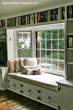 Turn a bay window into a book lover's haven with a window seat reading nook. Surrounding the view with built-in bookshelves doesn't hurt, either! für lesezimmer 20 Window Seat Book Nooks You Need to See Home Design, Interior Design, Design Ideas, Design Design, Home Libraries, Library Home, Library Bedroom, Cozy Library, Mini Library