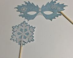 Frozen Photo Booth Prop Set - 2 pie ce - Glitter mask and snowflake