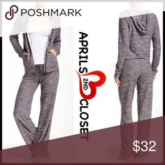 """❗️1-HOUR SALE❗️Joggers Lounge Pants 💟 NEW WITH TAGS 💟 RETAIL PRICE: $48 Size M = 6-8 size L = 10-12 Boyfriend Lounge Pant  * A super soft fabric & relaxed fit   * Elasticized & stretch-to-fit waist w/self-tie drawstring     * An allover marled print  * Wide leg  * Approx 8"""" rise & 30"""" inseam Fabric:Polyester, 30% cotton  Color: Grey Stonehenge Item#B92500 # pattern printed patterned 🚫No Trades🚫 ✅ Offers Considered*/Bundle discounts ✅ *Please use the blue 'offer' button to submit an…"""