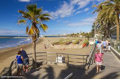 Las Burras beach between Playa del Inglés and San Agustín in south Gran Canaria is where the locals go for golden sand without the crowds of tourists. It's on the walkway that runs from the Maspalomas dunes all the way to Bahia Feliz.