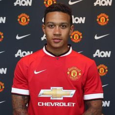 Memphis Depay has completed his transfer to Manchester United from PSV Eindhoven Match En Direct, Memphis Depay, Manchester United Football, Professional Football, Old Trafford, Fa Cup, Man United, The Millions, Premier League