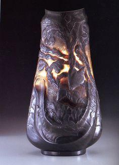 Emile Gallé                          Vase 「Tide」...Vase of sadness c.1889-1900  「潮流」