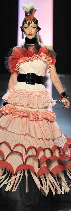Milagros Schmoll for Jean Paul Gaultier Spring 2011 Couture. Weird Fashion, High Fashion, Fashion Art, Paul Gaultier Spring, Mode Costume, Spring Couture, Fashion Designer, Punk, Looks Cool