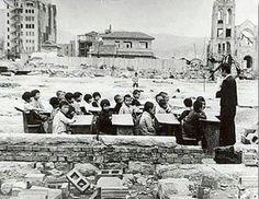 学校の授業、1946年、広島 Open-air classrooms 1946 Hiroshima