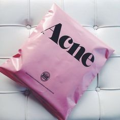 Shoplog : Acne Studios Skinny Jeans (We Heart Fashion) Clothing Packaging, Fashion Packaging, Bag Packaging, Beauty Packaging, Fashion Branding, T Shirt Packaging, Packaging Ideas, Ecommerce Packaging, Retail Packaging