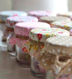 My Sewing Room, Love Sewing, Home Crafts, Diy Crafts, Lemon Kitchen, Popsicle Crafts, Cake Packaging, Diy Furniture Easy, Decoupage Vintage