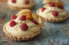 Passion fruit tart Food Photographer & Stylist: Alina Vadean > http://www.theardesignstudio.com  #food #tart #passion fruit #dessert #food photography