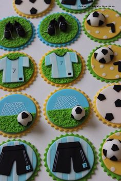 Soccer cupcake or cookies toppers by CakesbyAngela on Etsy Soccer Birthday Cakes, Football Cupcakes, Soccer Cake, Cupcakes For Boys, Football Birthday, Soccer Party, Fun Cookies, Cupcake Cookies, Soccer Treats
