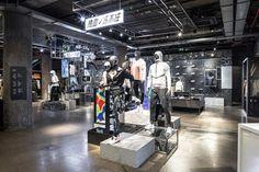 Shoe Display, Retail Store Design, Dark Winter, Retail Interior, Rubber Flooring, Light Installation, Winter Sports, Cold Day, Baby Shop