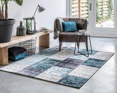 Geef je vloer een extra touch met de vloerkleden van Home Living. Deze winter houd jij warme voeten met een mooi vintage vloerkleed. De vloerkleden zijn er ...