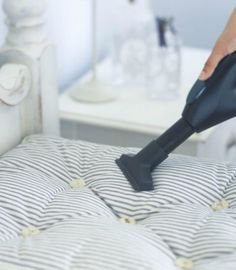 Detergent, vinegar, and baking soda are the key players when it comes to how to clean a mattress, wash a mattress pad, or get rid of stubborn stains. Clean Mattress Stains, Mattress Cleaner, Diy Mattress, Cleaning Spray, Steam Cleaning, How To Clean Bed, Urine Stains, Remove Stains, Memory Foam Mattress Topper