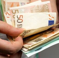 Euro Bounces with Help from Positive GDP Figures