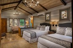 Love this rustic cabin bedroom. Such a cozy decor. Perfect for cabins, farmhouses and modern rustic homes. Lakeside Cottage, Modern Rustic Homes, Cabin Design, Resort Style, Lodges, Rustic Bedrooms, Cabins, Interior, Backyard