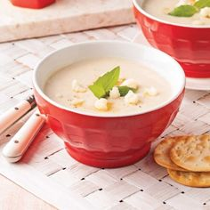 Crème de chou-fleur et ail rôti - Entrées et soupes - Recettes 5-15 - Recettes express 5/15 - Pratico Pratique Baked Eggs, Baked Potato, Bruschetta, Cheeseburger Chowder, Fondue, Coco, Cauliflower, Easy Meals, Easy Recipes