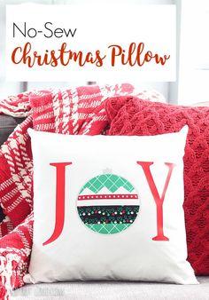 DIY No-sew Christmas Pillow #Christmaspillow #diypillows #Christmasdecor