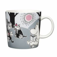 """Arabia's mug """"Adventure move"""" (Seikkailu muutto) with elegant shape and kind motif from the Moomin world. Charming pottery from Finland. Secure payments and worldwide shipping within 24 hours. Moomin Shop, Moomin Mugs, Les Moomins, Moomin Valley, Tove Jansson, Porcelain Mugs, Little My, New Adventures, Finland"""