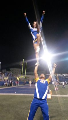 Cheerleading tigers uanl cheer love passion tigres liz guerrero & mariscal