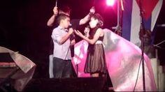 """""""Los paraguas de San Antonio"""". Silvio Rodríguez visita a San Antonio. Canta Lorena Domínguez y Pablo Alejandro. Tomado de AriguanaboTV - YouTube"""