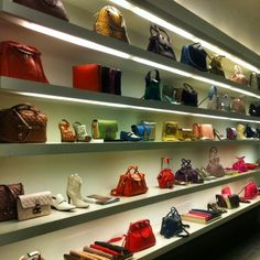 Wonderwall - Marc Jacobs at Mercer Street. Inspiration to display my bags & shoes.