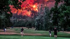 Insane wildfire photo perfectly sums up America in 2017