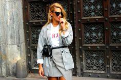 Miss trendy Barcelona: Total look cuadros y riñonera Duster Coat, Barcelona, Street Style, Shirt Dress, Jackets, Shirts, Dresses, Fashion, Down Jackets