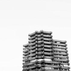 Torre Ripalda La Pagoda Valencia #estoesarquitectura #architect #building autor: Antonio Escario