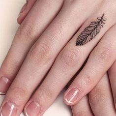 20 ideias para quem ama tatuagens nos dedos
