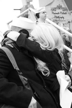 US Navy homecoming, first hug. I remember watching Mom & Dad like this! Us Navy, Norfolk, Airforce Wife, Navy Girl, Portraits, Great Life, Mom And Dad, Homecoming, Hug