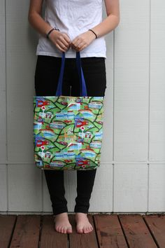 This tote bag was made using a free pattern offered by Anna at Noodlehead.com. The Route 66 fabric makes it the perfect bag for a road trip!