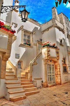 Martina Franca, Puglia, Italy ~ / lovetotravel-sh.blogspot.com #попробуйэтотмир