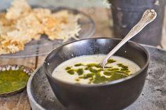 Jordärtsskockssoppa med parmesanchips