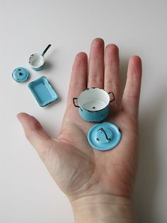 pans by graceewhite, via Flickr << reminds me of toy pans I played with as a kid! Ooh the nostalgia!