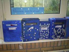 jufjanneke.nl - Er is post! Maak voor een groepje kinderen brievenbussen in een kleur. Bedenk er een mooie naam bij die daar bij past en zet de naam van de kinderen erop.