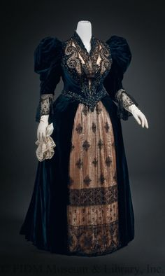 Day Gown Designer Poussineau, Auguest & Emile Brand Maison of Félix Date 1893-1895 Year Range from 1893 Year Range to 1895 Material Silk/ Glass/ Steel/ Credit Line Museum Purchase; Funds Provided by Mrs. Tonian Hohberg. Collection Permanent Collection Object ID 2008.5.51AB