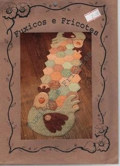Caminho de mesa com galinhas em patchwork