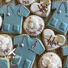 Nom Nom Cookies (@nomnomcookiesnow) • Instagram photos and videos Thank You Cookies, Heart Cookies, How To Make Cookies, Sugar Cookie Royal Icing, Sugar Cookies, Nurse Cookies, Elegant Cookies, Best Cookies Ever, Cute Desserts