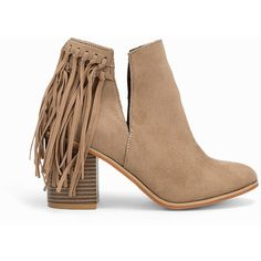 Nly Shoes V-Cut Fringe Boot ($59) ❤ liked on Polyvore featuring shoes, boots, botas, heels, everyday shoes, sand, womens-fashion, round toe boots, fringe high heel shoes and high heel boots