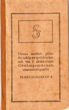 Motbok—jag har aldrig sett en sån förr! Motboken infördes efter förslag från läkaren och politikern Ivan Bratt. Riksdagen beslutade 1917 att anta den brattska försäljningsförordningen. Lagen trädde i kraft den 1 januari 1919, varför motbok och kvantitetsbegränsningar till fyra liter i månaden kom att gälla i hela Sverige från detta datum. Den 1 oktober 1955 avskaffades motboken. 1955!!