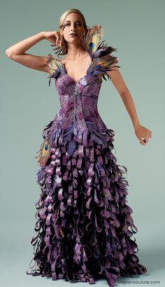 Papier Couture by Lia Griffith: Mystery. Paper Fashion, Fashion Art, Fashion Show, Fashion Design, Hobo Fashion, Woman Fashion, Wedding Dress Trends, Colored Wedding Dresses, Origami Vestidos
