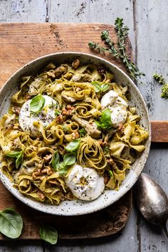Roasted Lemon Artichoke and Browned Butter Pasta. Sometimes I worry I share too much pasta, but really, is there such a thing? Ah no, there is no such thing as too much pasta. Vegetarian Recipes, Cooking Recipes, Healthy Recipes, Healthy Dishes, Healthy Meals, Game Recipes, Easy Pasta Recipes, Eat Healthy, Cooking Tips