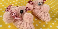 Bebê Woof Woof intra-pata Making - ventos estão sussurrando Knitted Booties, Baby Booties, Baby Hats, Diy And Crafts, Dinosaur Stuffed Animal, Teddy Bear, Knitting, Toys, Children