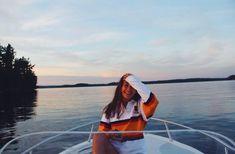 Pinterest: Maria Barroso Summer Feeling, Summer Vibes, Boat Pics, Lake Pictures, Lake Pics, Summer Pictures, Vacation Pictures, Summer Goals, Insta Photo Ideas