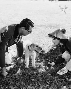 Cary Grant and Katherine Hepburn try to convince a canine to help them find a dinosaur bone in Bringing Up Baby.....#CaryGrant #KatherineHepburn #BringingUpBaby